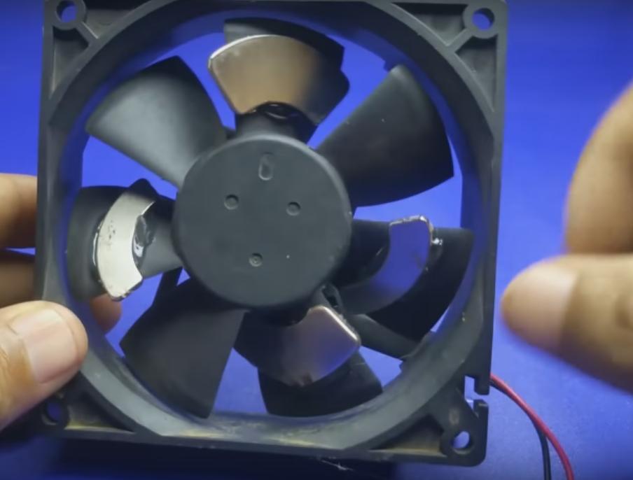 Как собрать вечный двигатель из кулера и магнитов? Вот инструкция: